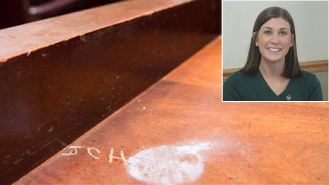 Hooters Waitress-Turned-Lawmaker Admits to Carving Initials Into Assembly Desk