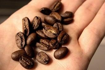 Test Coffee Freshness with a Zipper-Lock Bag