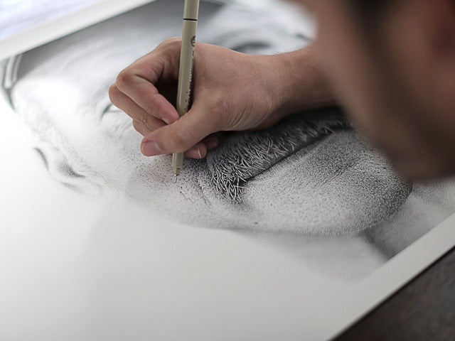 This Portrait Is Actually Hand Drawn with 2.1 Million Dots
