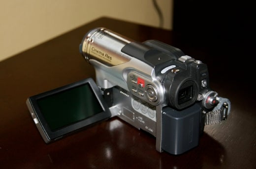 Review: Hitachi Hybrid Camcorder