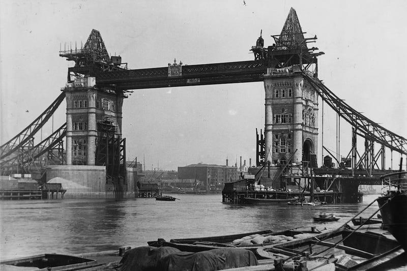 Viaje al pasado: fotos de lugares icónicos durante su construcción