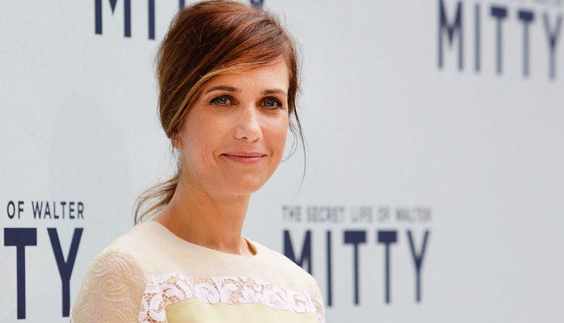 Kristen Wiig to Make Directorial Debut With Bridesmaids Screenwriter