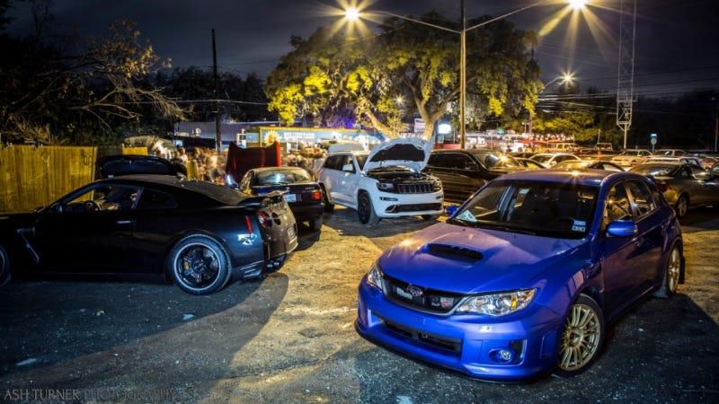 Scenes From Friday Night's Viper-tastic Jalopnik Austin Meetup