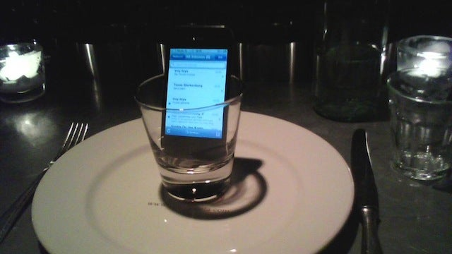 Improve Smartphone Signal with a Drinking Glass