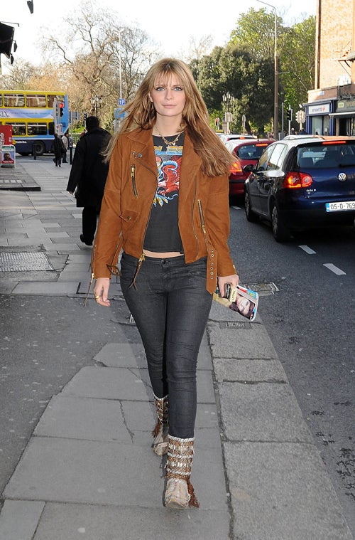 Mischa Barton Is No Marianne Faithfull