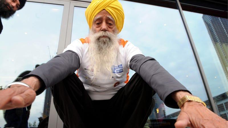 101-Year-Old Man Runs Marathon for Women's Rights