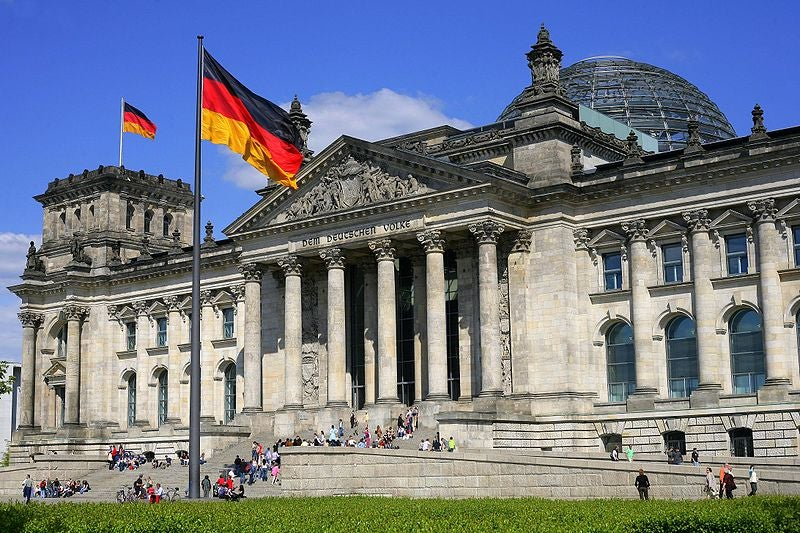 German Pols Have a LAN Party in the Reichstag