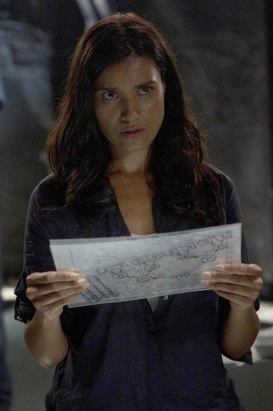 "Promo photos from Terra Nova episode 1.04, ""What Remains"""