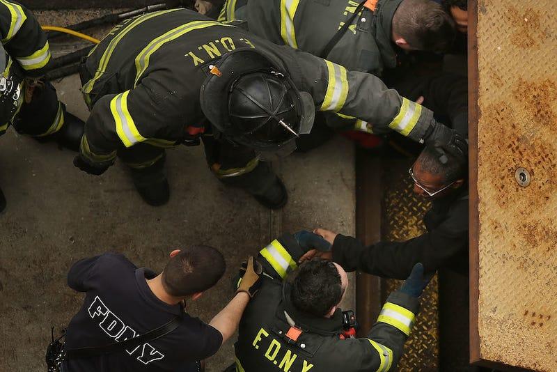 Subway Derailment in Queens Injures 19, Traps 1000 Underground