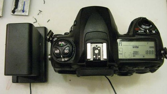 Make Your DSLR Camera Run Four Times Longer with a DIY External Battery System