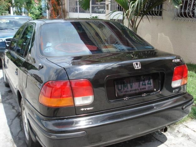 Does Steve Jobs own a Honda Civic now?