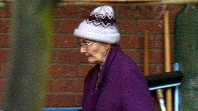 Woman Who Attacked Six Burglars Is a 71-Year-Old Grandmother