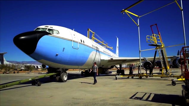 Here's How To Detail A Boeing 707 That Was A Piece of American History