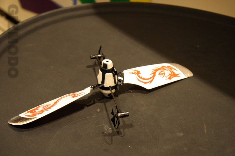 WowWee Bladestar Autonomous Helicopter and Waiter-Decapitation Device
