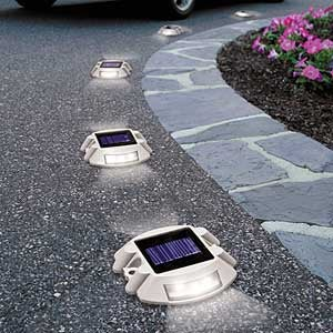 Solar Driveway Lights Guide Your Hybrid Home