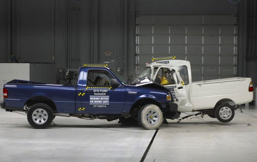 IIHS GEM And Tiger Minitruck: Crash Photos