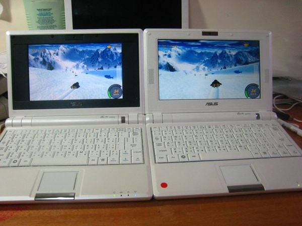 Real Live Pictures of 8-Inch Asus Eee PC