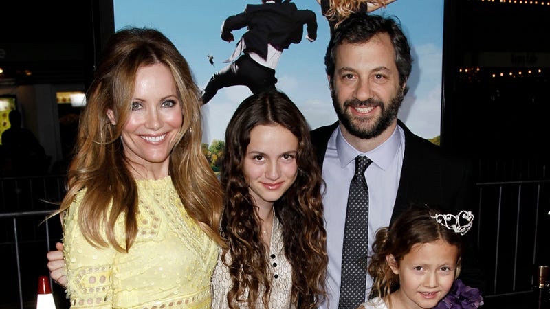 Judd Apatow and Leslie Mann on Tweeting on the Toilet and Hiding WiFi From Maude