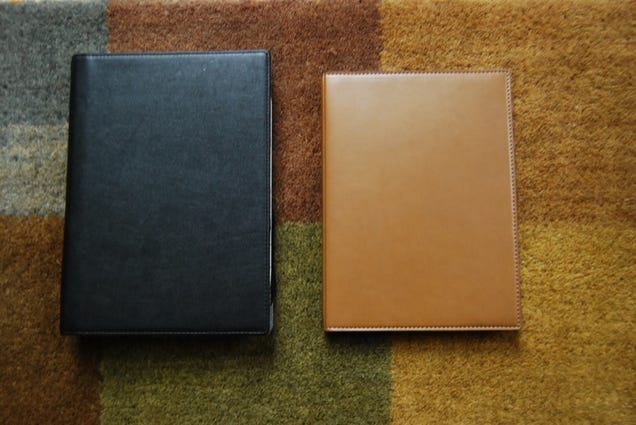 Amazon Kindle vs. Sony Reader: Sizemodo and Interface Comparison (Gallery)
