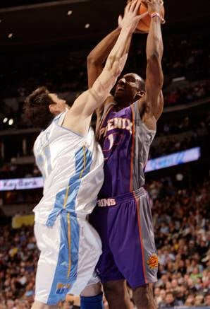 NBA Roundup: Flying Too Close To The Suns
