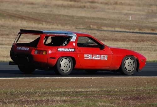 What's It Like Racing A $500 Porsche 928 Shooting Brake?