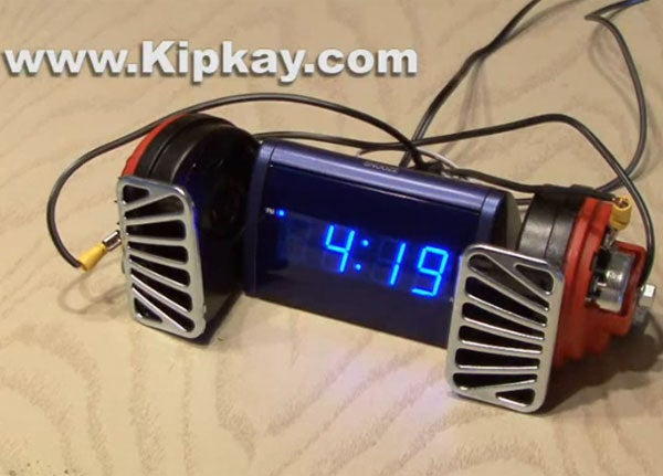 Hacked Alarm Clock With 140-Decibel Electric Horns Should Be Murdered