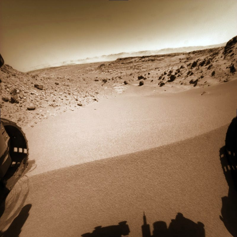 Curiosity has successfully crossed over the Dingo Gap dune