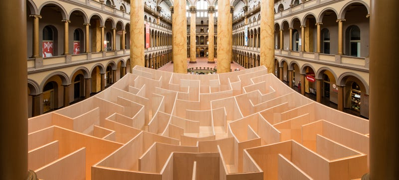 The Middle of this Massive Indoor Maze Reveals How To Get Back Out Again
