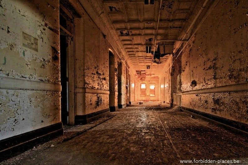 The Decaying Remains of Abandoned Hospitals
