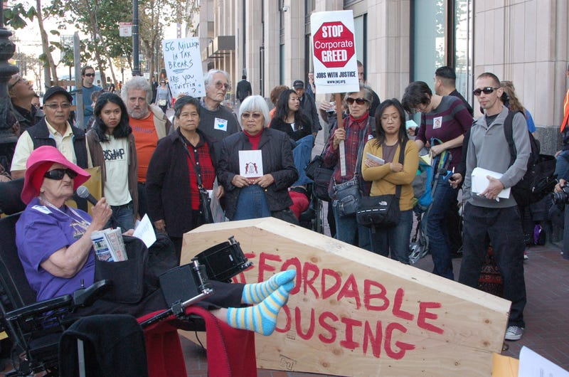 Protesters at Twitter HQ Fight for San Franciscans #ThrownOutByTwitter