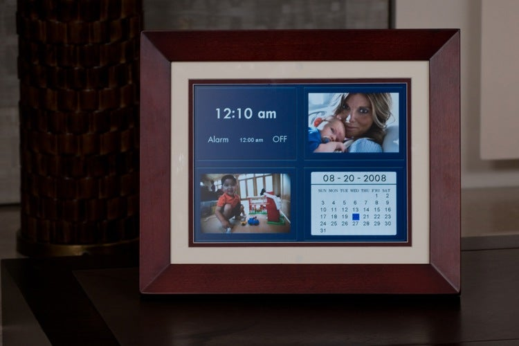HP Portable Digital Picture Frame Lets You Take Your Pics on the Go