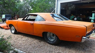 """Jesse James Is Selling His """"Stoner's Dream Car"""" on eBay"""