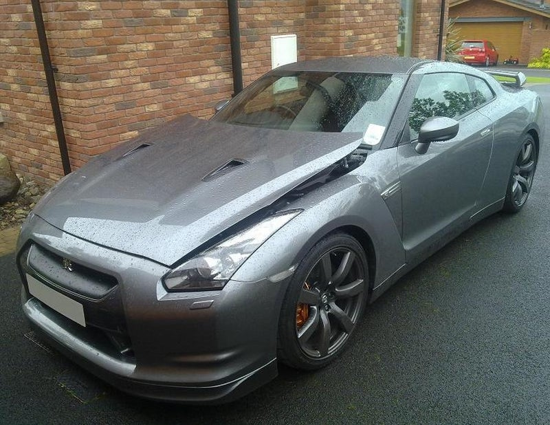 Nissan GT-R Hits Tow Hitch, Causes $18,000 Repair Bill