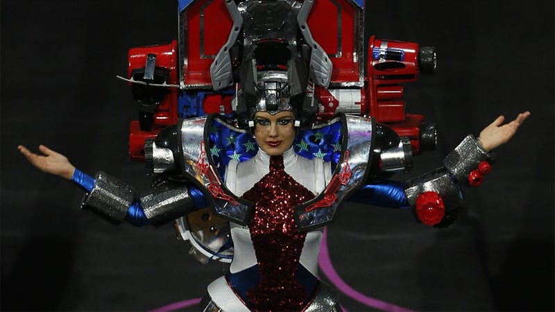 Miss Universe Contest Interrupted By Transformers Cosplay (Huh?)