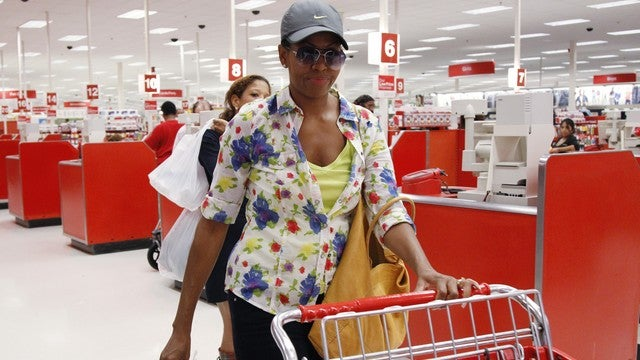 Michelle Obama Frequently Sneaks Out Of White House For Secret Peasant-Style Shopping Trips