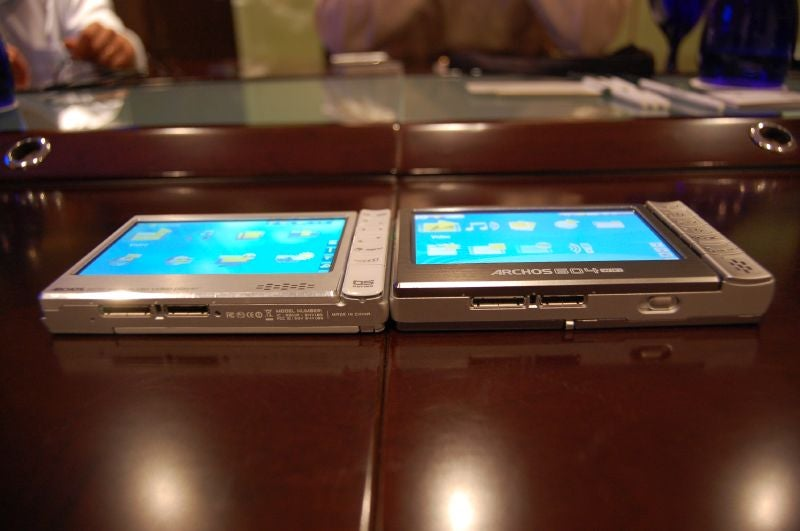 First Hands-On with Archos 605 Wi-Fi CinemaNow Downloading PMP