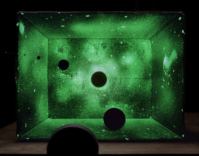 Photos of Science Experiments are Mysterious and Dazzling