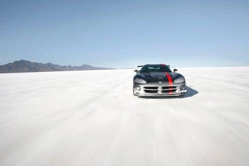 Edmunds Inside Line Gets 2008 Dodge Viper ACR Salty At Bonneville