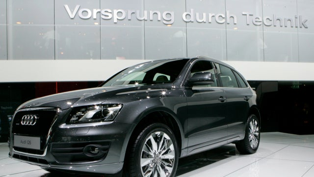 Mercedes CLS Shooting Brake, Audi Sunroofs Break And Holden Some Parts Thieves