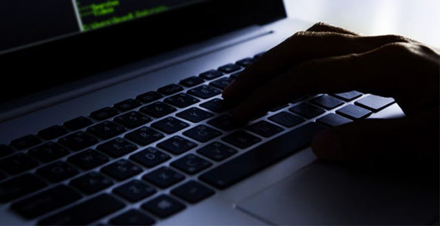 Russian Hackers Read Obama's Emails During White House Security Breach