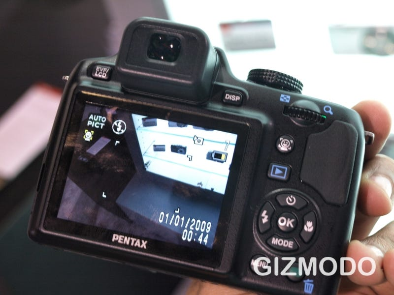 Pentax X70 24x Superzoom Is First With 720p Video