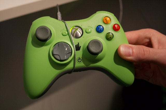 New Official Xbox 360 Controller Spotted