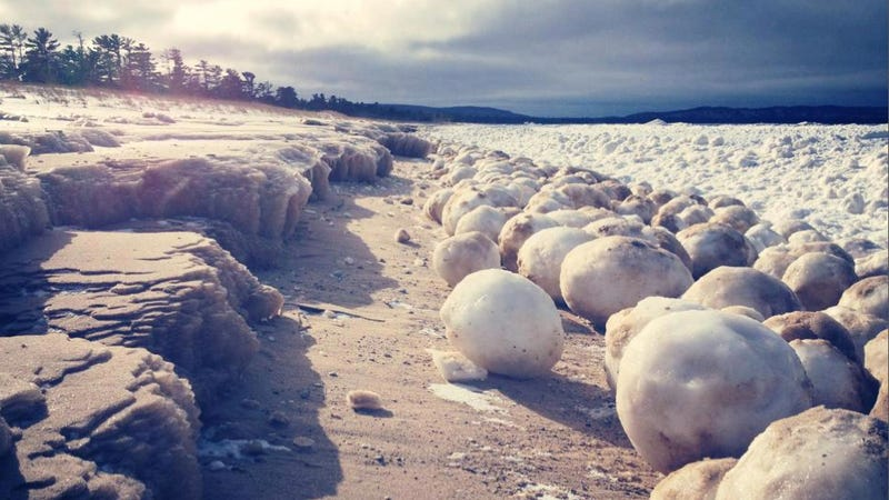Massive ice boulders form along Michigan shoreline — but how?