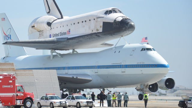 Space Shuttle Endeavour lands for the very last time