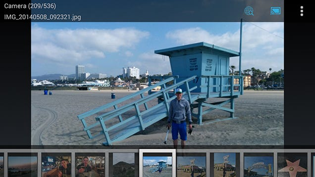 how to choose pictures on chromecast