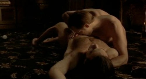 "Why it's a bad idea to ""turn your backside"" on a naked vampire in True Blood"