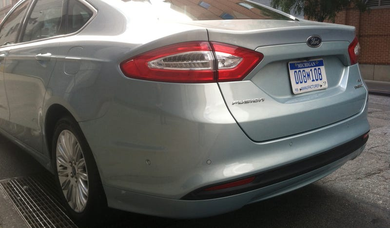 Ford Fusion Hybrid: Looks Like An Aston Martin And Isn't Boring To Drive