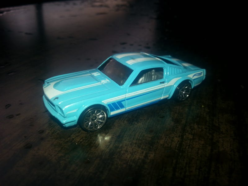 [Custom] Don't like the colour/tampos on a car? Do something!