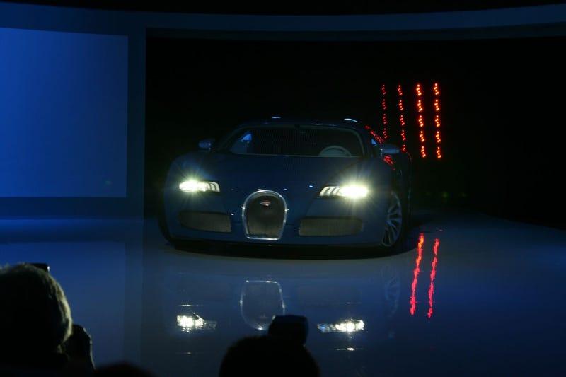 Bugatti Veyron Bleu Centenaire: No Special Engine, Just Paint