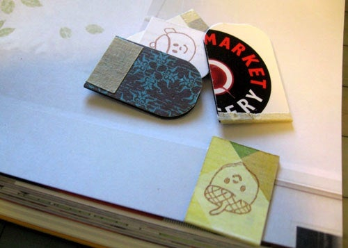 Turn Old Fridge Magnets into Handy Magnetic Bookmarks